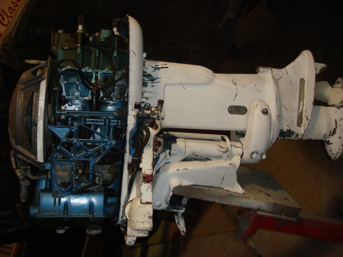 1956 Evinrude engine restored by Crusse'n Classics